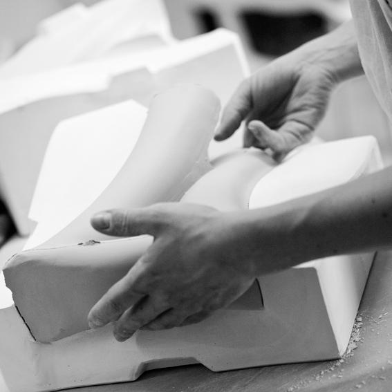 coulage moule plâtre Delphine Millet Atelier Ceramics Poitiers