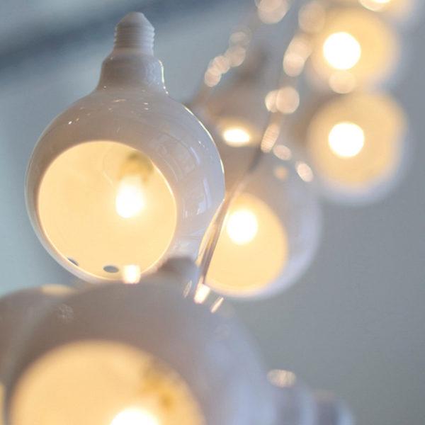 Suspension OXYGEN ampoules porcelaine normes CE LED lumière sur mesure création unique Atelier Ceramics d Delphine Millet Poitiers made in France