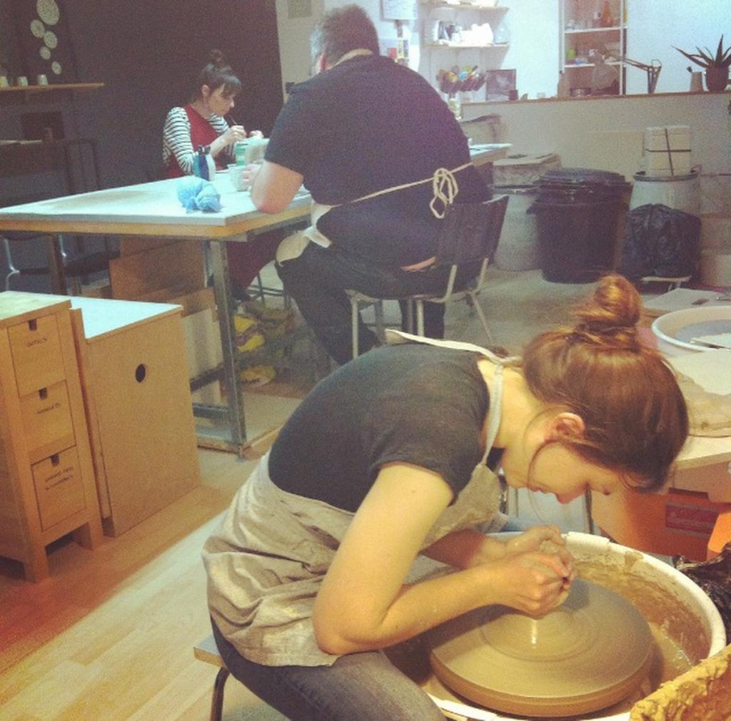 cours loisir tournage modelage adultes Atelier Ceramics d. Delphine Millet centre ville Poitiers